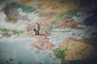 European (Dis)Integration During Pandemics
